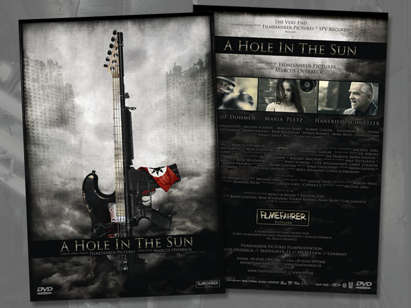 "The Very End: ""A hole in the sun"" DVD cover and booklet"