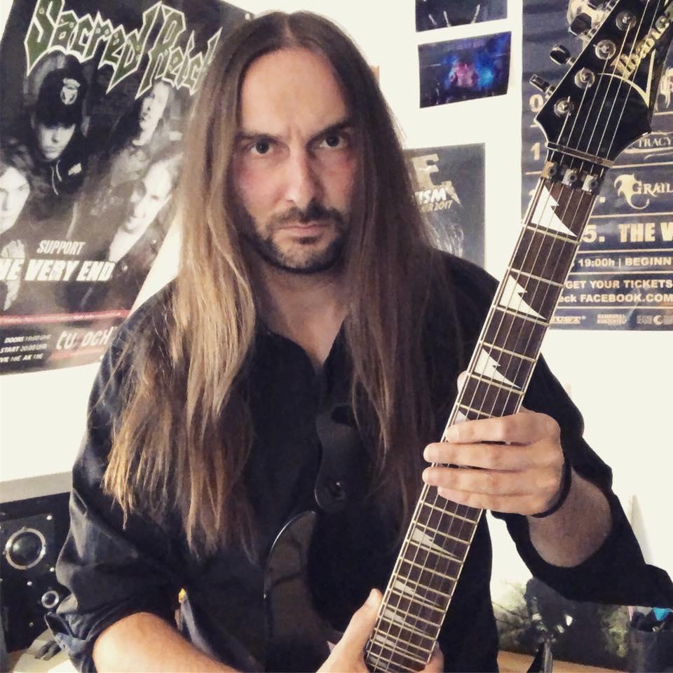 TVE-Studio-Guitar-recordings-3-Rene-Bogdanski