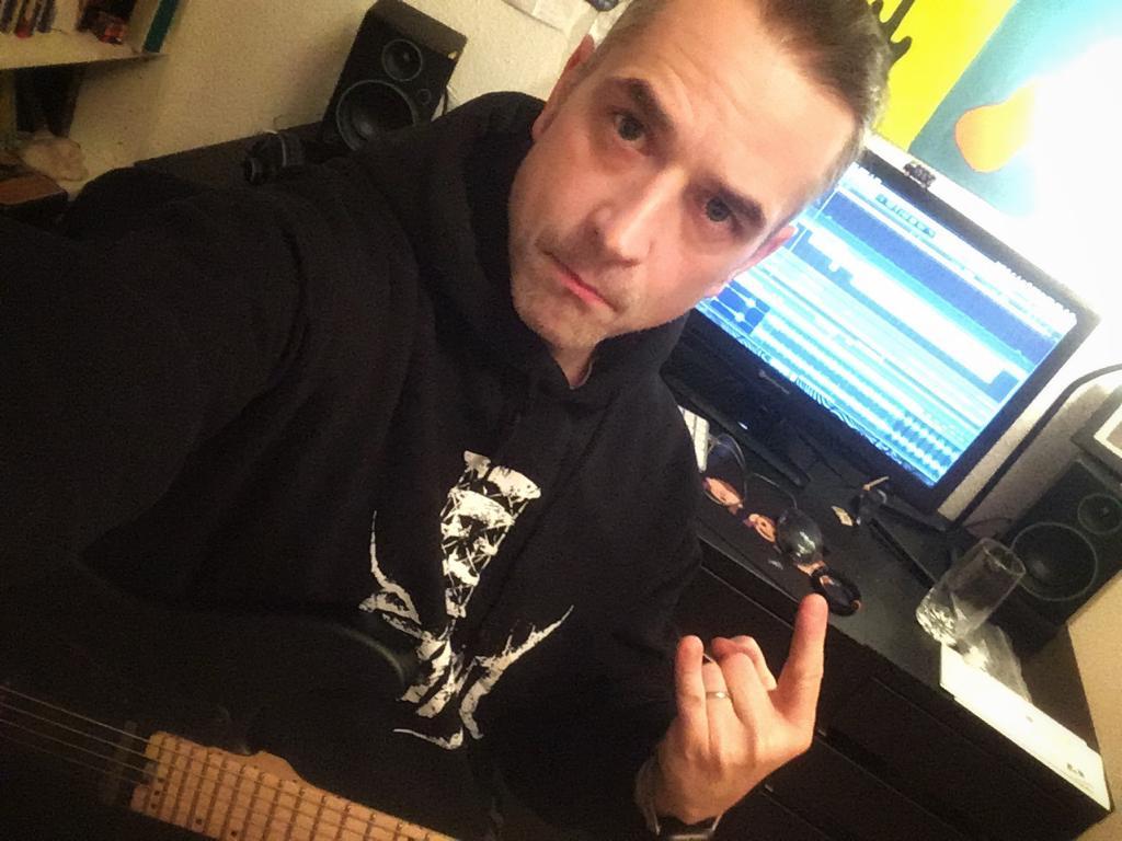 TVE-Studio-Guitar-recordings-Marc-Bräutigam